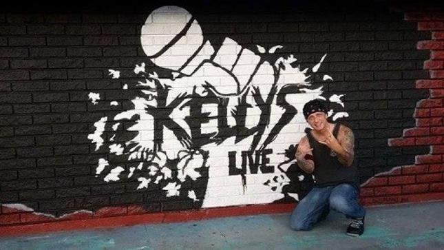 KELLY'S LIVE