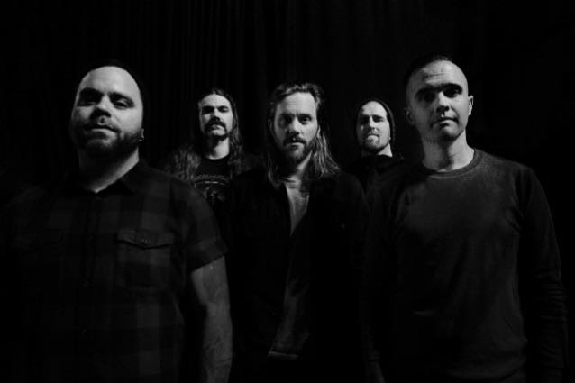 BETWEEN THE BURIED AND MEニューアルバム