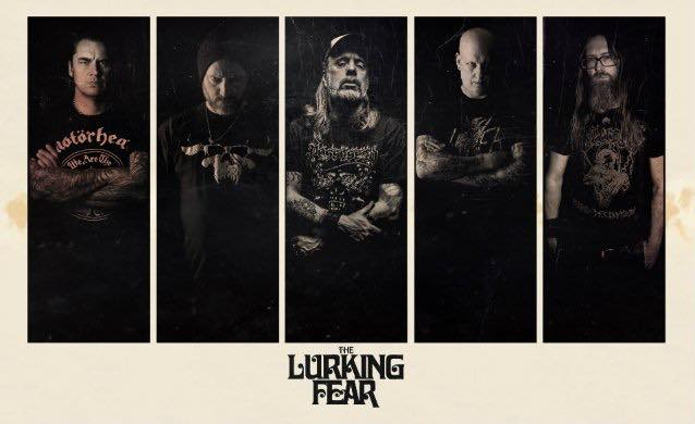 THE LURKING FEAR、CENTURY MEDIAと契約
